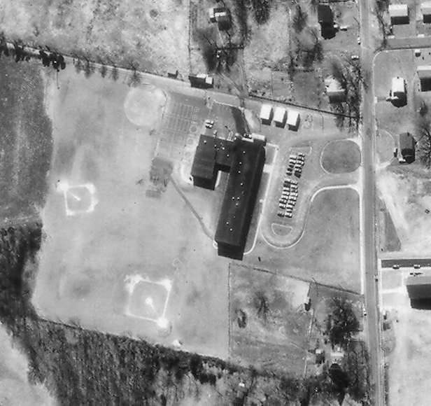 Black and white aerial photograph of Herndon Elementary School taken in 1968.